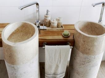 Натуральные каменные раковины из травертина