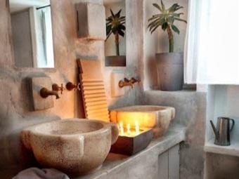 Дизайн ванной с натуральными каменными раковинами