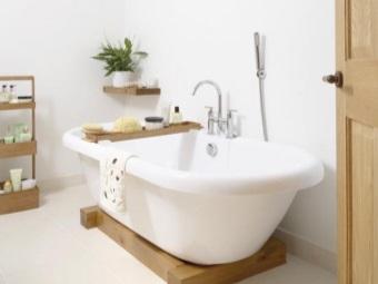Ванная на деревянных балках