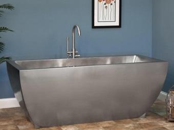 Установка ванны из металла