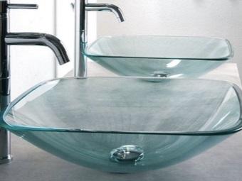Накладная раковина из стекла