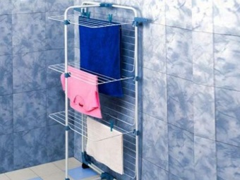 Напольная сушилка для белья в ванную комнату