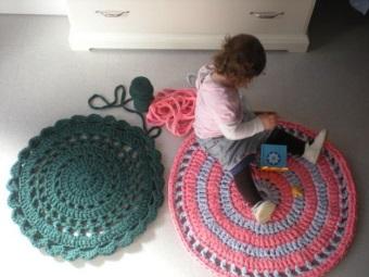 Нитки для вязания ковриков в ванную и туалет