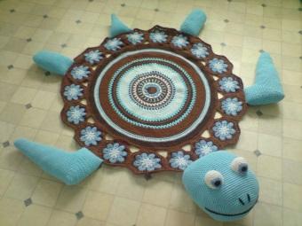 Вязаный коврик с черепахой для ванной комнаты