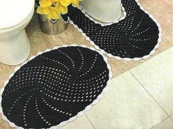 Достоинства вязаных крючком ковриков для ванной и туалета
