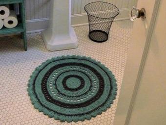 Преимущества вязаных крючком ковриков для ванной и туалета