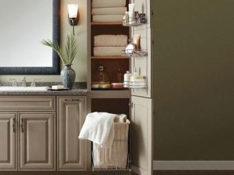Напольные пеналы для ванной комнаты с корзиной для белья