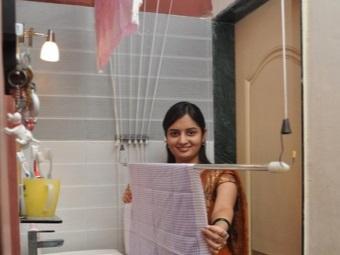 Преимущества потолочных сушилок для белья в ванной