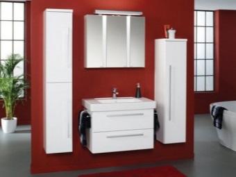 Подвесные шкафы-пеналы в ванную