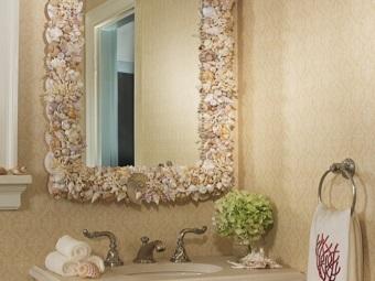 Подручные материалы для самостоятельного украшения зеркала в ванной