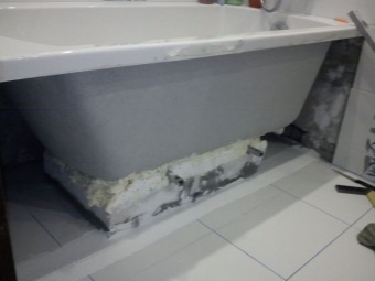 Закрепление акриловой ванны