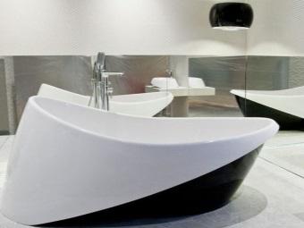 Акриловая овальная ванна