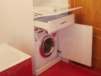 Достоинства  шкафа для стиральной машины