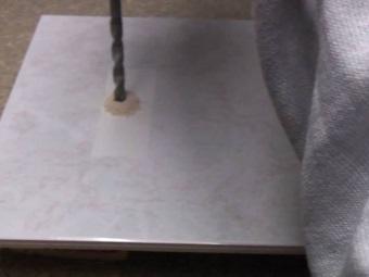 Рекомендации по сверлению плитки в ванной комнате