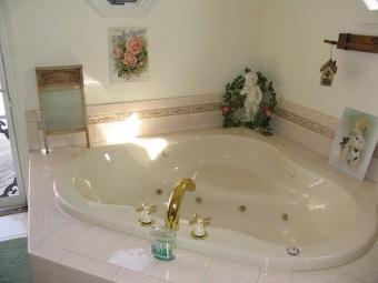 Советы по выбору треугольной ванны