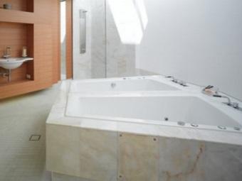 Рекомендации по выбору треугольной ванны