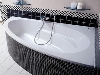 Треугольная ванна и ее форма чаши