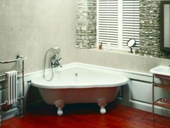 Преимущества треугольной ванны