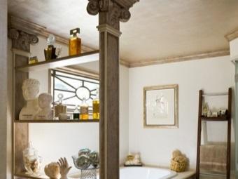 Декоративные элементы в ванной в греческом стиле
