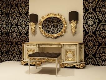 Настенные бра под облицовку стен в ванной в стиле барокко и большое зеркало в золотой оправе
