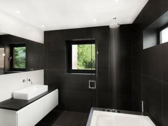 Бело-черная навесная тумба с накладной раковиной для ванной в стиле хай-тек
