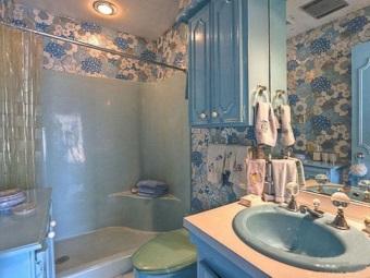 Ретро ванная комната и аксессуары для неё
