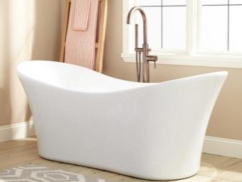 Достоинства маленького веса акриловой ванны
