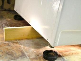 Амортизирующие подставки под ножки стиральной машины против вибрации и шумной работы техники