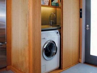 Стиральная машина в шкафу - правильное расположение