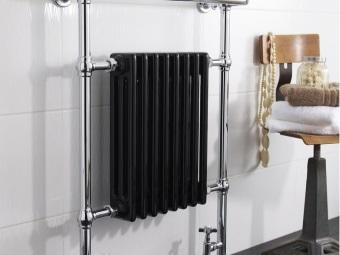 Нижний водяной полотенцесушитель с радиатором