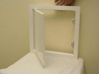 Сантехнический (ревизионный) пластиковый люк для ванной