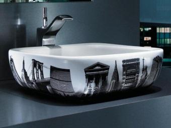Накладной умывальник с рисунком для ванной комнаыт