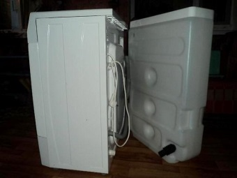 Узкая стиральная машина с баком для воды