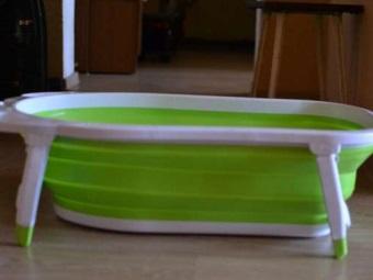 Складная ванночка для купания на ножках