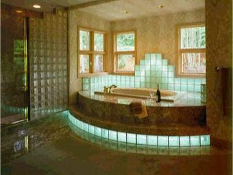 дизайн ванной с применением стеклоблоков