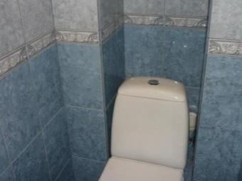 Как заделать трубы в туалете