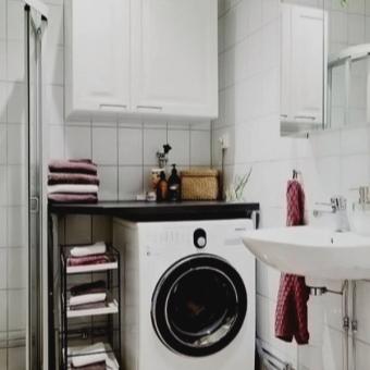 Шкаф навесной над стиральной машиной в ванной