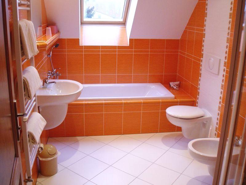 Ванна в оранжевом цвете фото