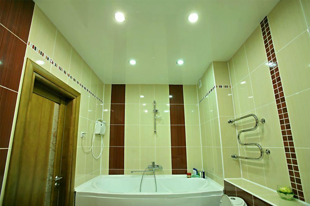 Навесные потолки в ванной комнате своими руками