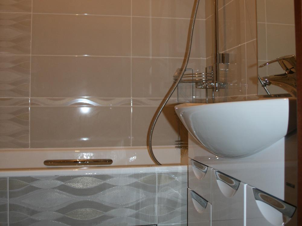 Вентиляция в ванной дует в квартиру