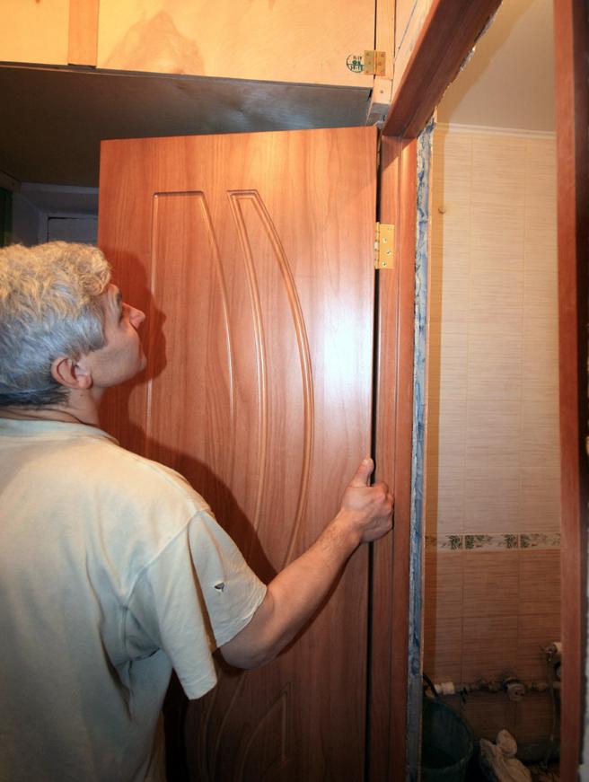 Как сделать двери в ванной 793