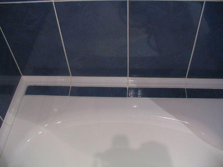 У ванной герметизация шва
