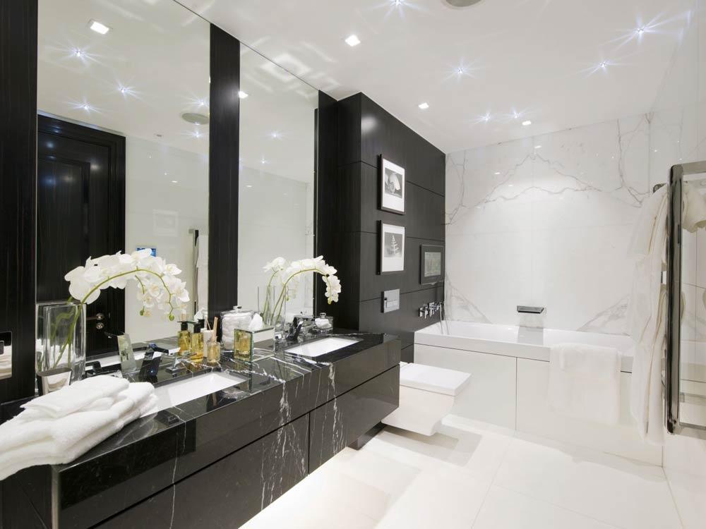 черно белая ванная дизайн варианты укладки черно белой плитки 23