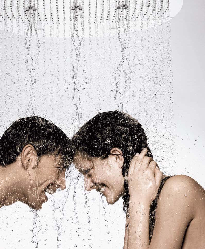 Самых эротичных девушка мылась в душе порно ххх