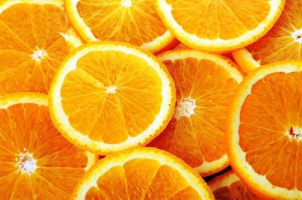 Как ванна с апельсиновым маслом влияет на целлюлит: 4 интересных факта