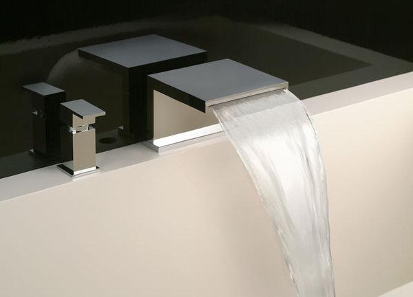 Смеситель водопад каскадного вида на борт ванны модели типы