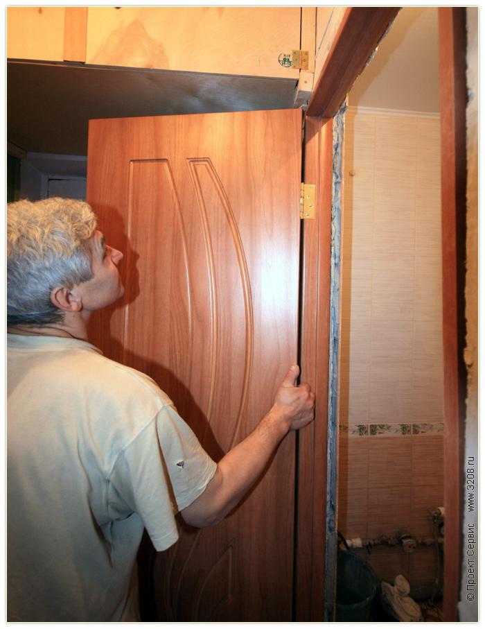 Установка двери в ванную своими руками видео