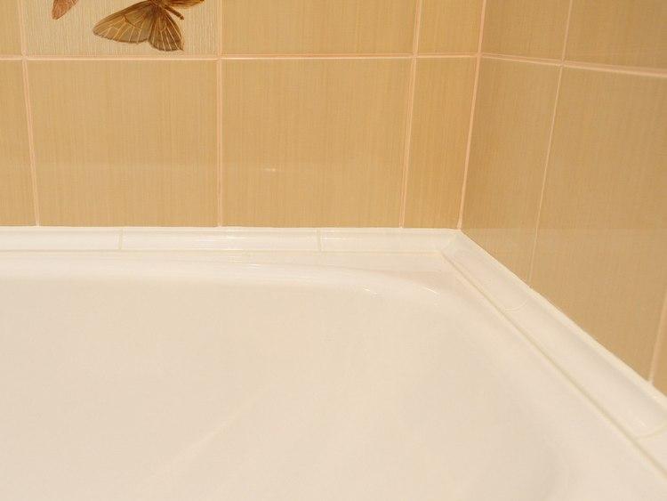 керамический бордюр для ванной фото