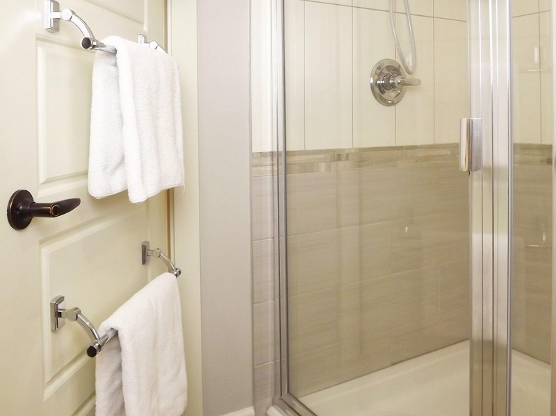 Картинки по запросу вешалка на двери ванная