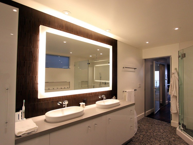Зеркало с подсветкой  комнату